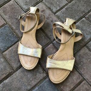 Born Crown Landis sandal in Rame Metallic